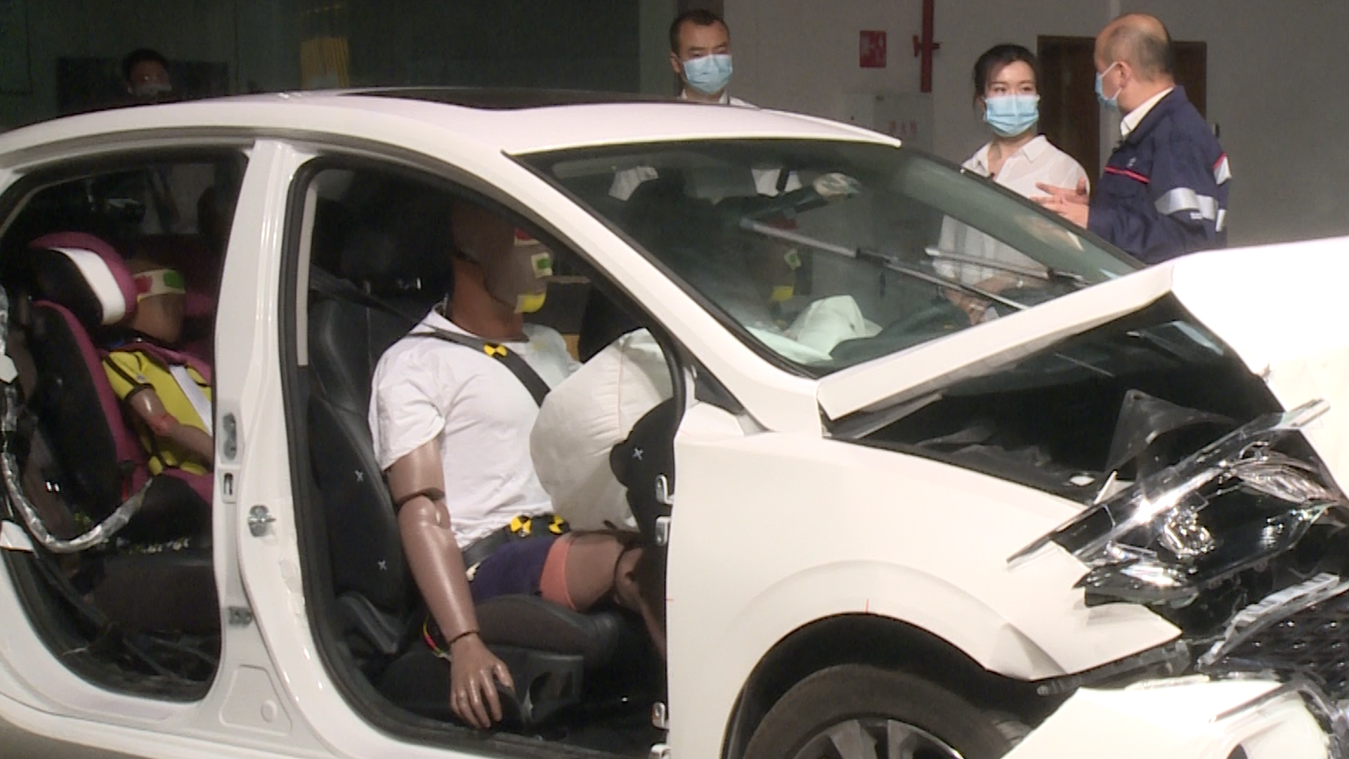 """一次碰撞試驗不僅曝光了長安汽車的""""假人天團"""""""